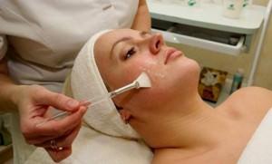 Пилинговая чистка лица