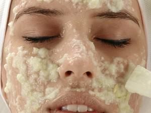Хлорид кальция на лице