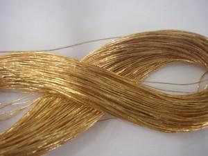 Золотые нити для подтяжки лица